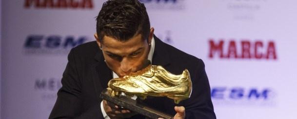 Cristiano Ronaldo recebe Bota de Ouro!